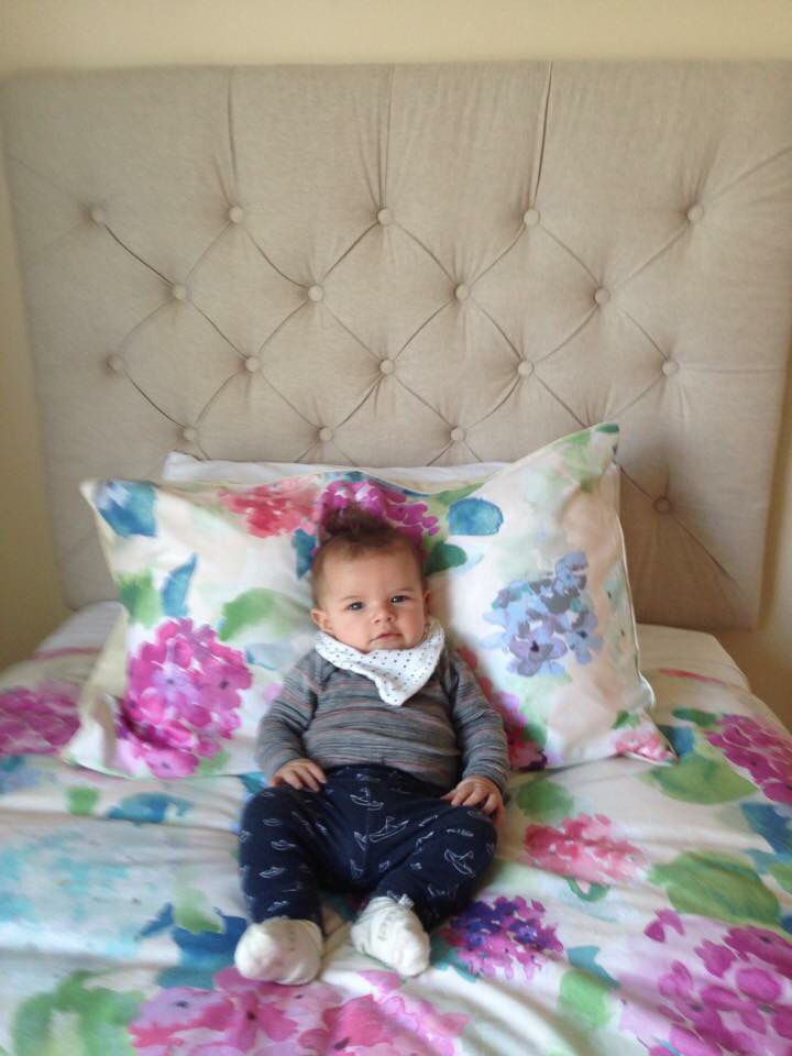Tufted natural linen gorgeousness! Oh and the mini model is pretty cute too :)