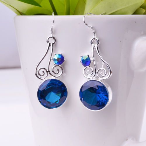 $15.000- Aretes en plata con piedras azules tamaño 4 x 1.5cm