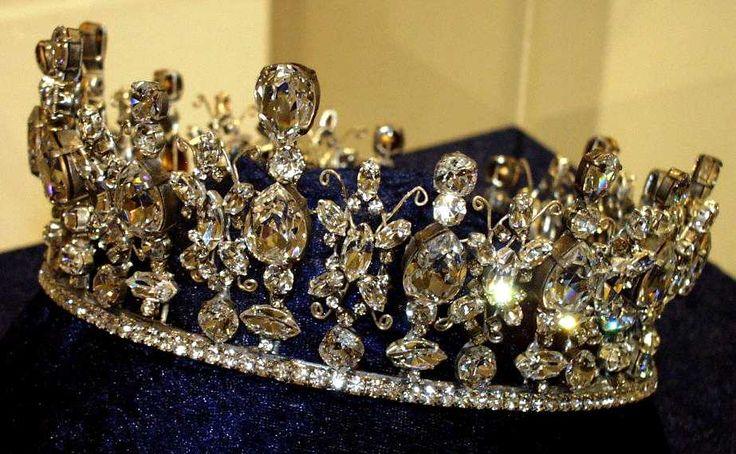 Reproduções das jóias da coroa britânica - Costuming site de Naergi