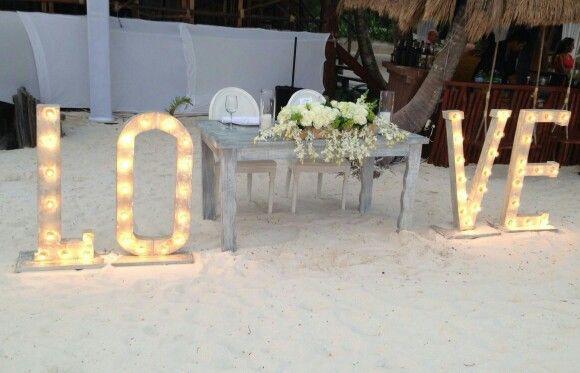 Mesa de novios #Tulum Mexico #LoveMemories #Weddings