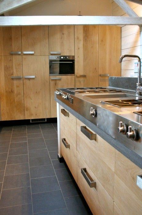 eiken deurtjes voor ikea keukenkastjes  Lees alles over keukenkastjes verven  http://www.woonstijl.nl/nieuws/keukenkastjes-verven-met-krijtverf_528/