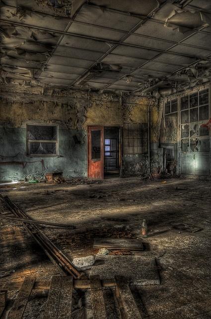 Haunting abandon w/Red Door