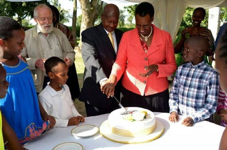 MUSEVENI MAKES 71. - Today Morning all Radios were talking about President Museveni's birthday party which was organised during the weekend. Most of them were congratulating him but the big issue was about the age with most wondering whether it's true that he has just clocked 71, one at Radio Simba said that for the Opposition they think he is more... #firstfamily #janetmuseveni #museveniat70