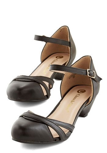 Fashion School Sweetheart Heel in Noir. You sure are a charmer in these versatile kitten heels! #black #modcloth
