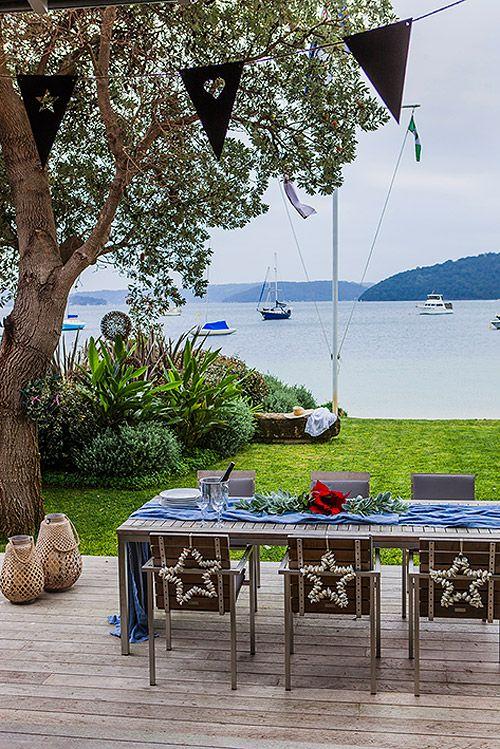 Australian christmas- Id love a home with a backdrop like that.. #australianchristmas