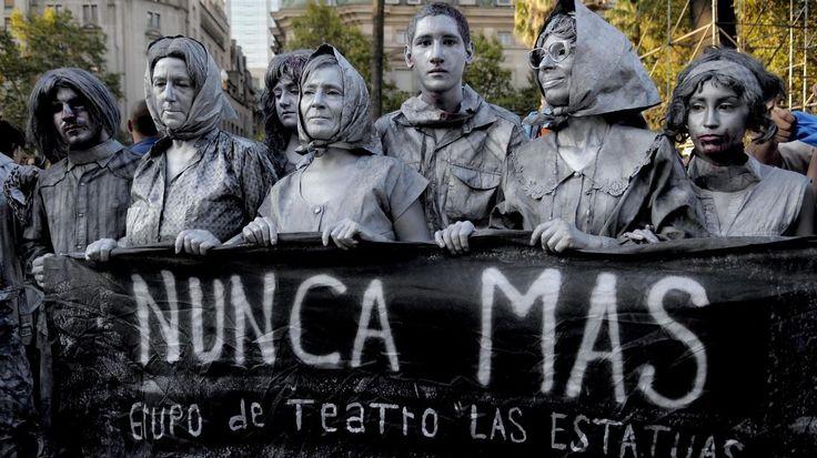 24 de Marzo: Día Nacional de la Memoria por la Verdad y la Justicia. Marchan en Buenos Aires el 24 de marzo de 2017, en el 41º aniversario del golpe de Estado Cívico Militar Genocida. (DYN/PABLO AHARONIAN)