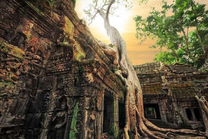 Долгие годы оставалось загадкой, каким образом так быстро были сооружены гигантские храмы комплекса. - Shutterstock.com