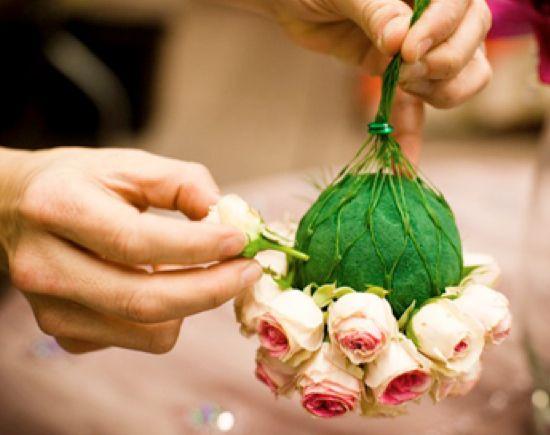 Making live Flower Pomanders for decoration: Wedding Ideas, Weddings, Pomander Wedding, Flower Ideas, Fresh Flower, Diy