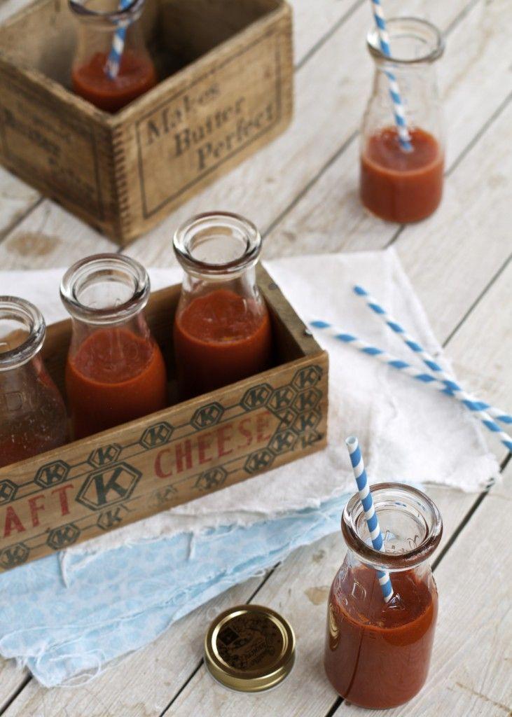 Pourquoi ne pas remplacer l'un de vos smoothies faits à base de fruits par une version faite à base de légumes? Parfaite pour vos lunchs, 250mL de cette délicieuse recette↣