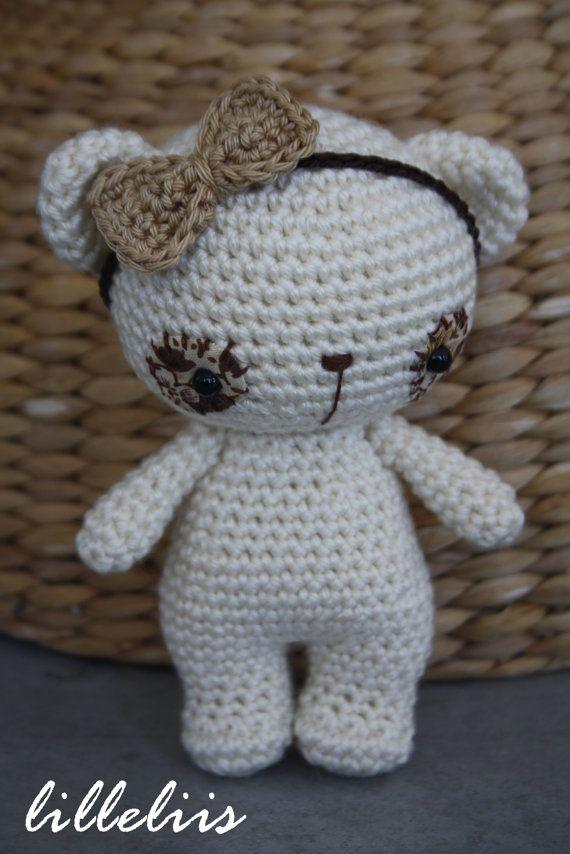 Tiny Amigurumi Bear Pattern : 17 Best images about Crochet Bears on Pinterest Free ...