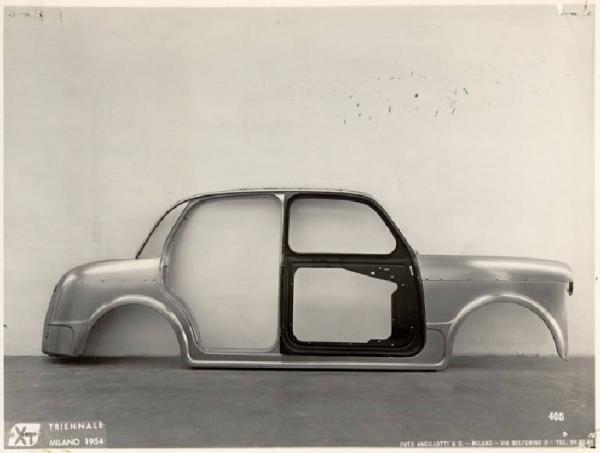 X Triennale - Mostra dell'industial design - Fiancata della vettura FIAT 1100