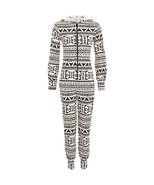 Despair no more, no more sacrificing style for comfort with this Aztec print onesie! The perfect outfit for a cuppa and a biscuit on the sofa. £17.99  #newlookfashion #newin #onesie #aztec