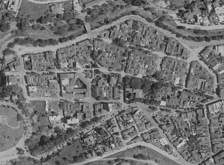 Cali, Detalle aerofotografía 1957. Fuente IGAC, Bogotá, D.C. se puede observar el Colegio de la Sagrada Familia, la terminación de la Av Colombia en el Monumento Al Obelisco, por ende podemos observar parte de lo que fué el antiguo charco del burro