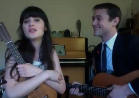 Video Chat Karaoke Special: Zooey Deschanel & Joe Gordon-Levitt – 'What Are You Doing New Year's Eve?' (Nancy Wilson)   http://hellogiggles.com/