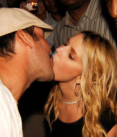 Jessica licked frosting off Tony Romo's face in 2008
