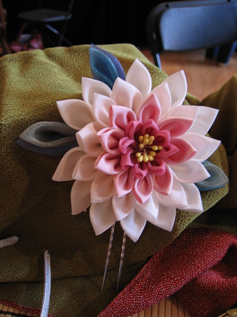 Hasu (Lotus) Tsumami Kanzashi