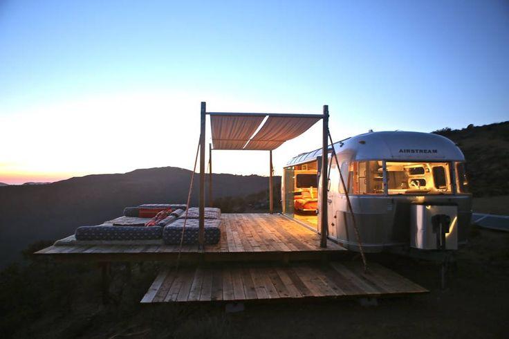 Regardez ce logement incroyable sur Airbnb : Malibu Dream Airstream  - Camping-cars/caravanes à louer à Malibu