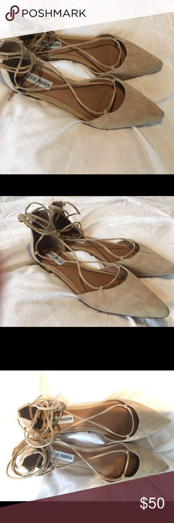 Size 9/9.5 Steve Madden nude lace up flats Perfect condition never been worn Steve Madden nude lace up flats. Super cute understated gold detail on the heel. 50 OBO. Would be a great springtime shoe or wedding shoe. Steve Madden Shoes Flats & Loafers