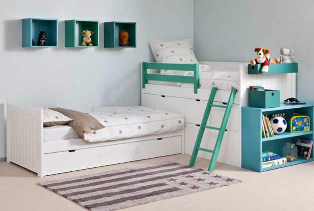Habitación infantil con cama nido en ángulo