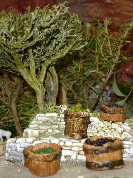 Installation du décor pour une scénette à venir - Santons et crèches de Provence