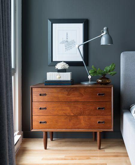 4 fördelar med mörk kulör på väggarna i ett sovrum