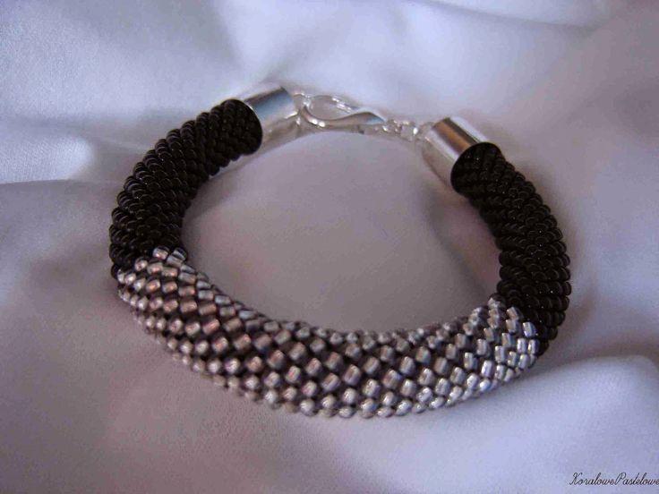 Koralowe Pastelowe: Czarno-złoty i czarno-srebrny komplet