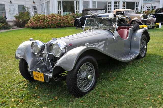 Jaguar 3½ Litre.     encarsglobe.com: Photo