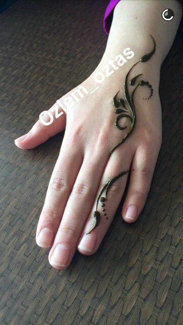 Henna hand simple start..