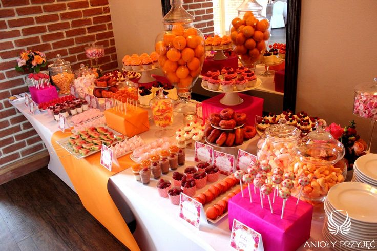 21. Fuchsia Orange Wedding, Sweet buffet, Sweet buffet decoration, Sweets/ Wesele fuksjowo-pomarańczowe, Słodki bufet, Dekoracje słodkiego bufetu, Anioły Przyjęć
