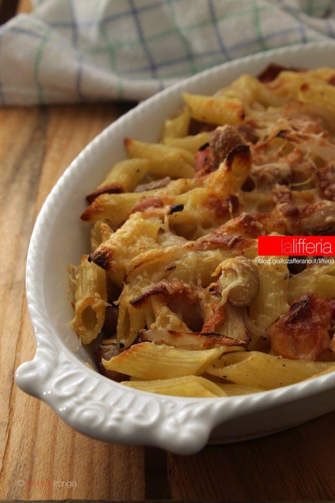 Pasta e fagioli al forno con pancetta e scamorza