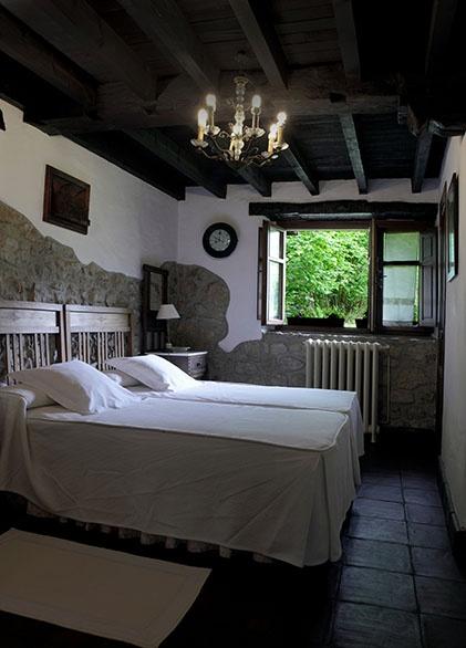 Habitaciones del molino de tresgrandas casona rural en for Llanes habitaciones