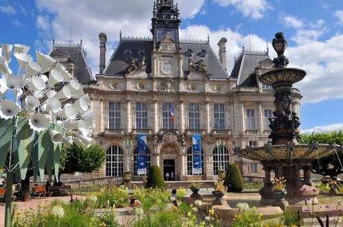 Mairie de Limoges - ©Vuthéara/Tourisme Limousin #YesYouAre #Limousin