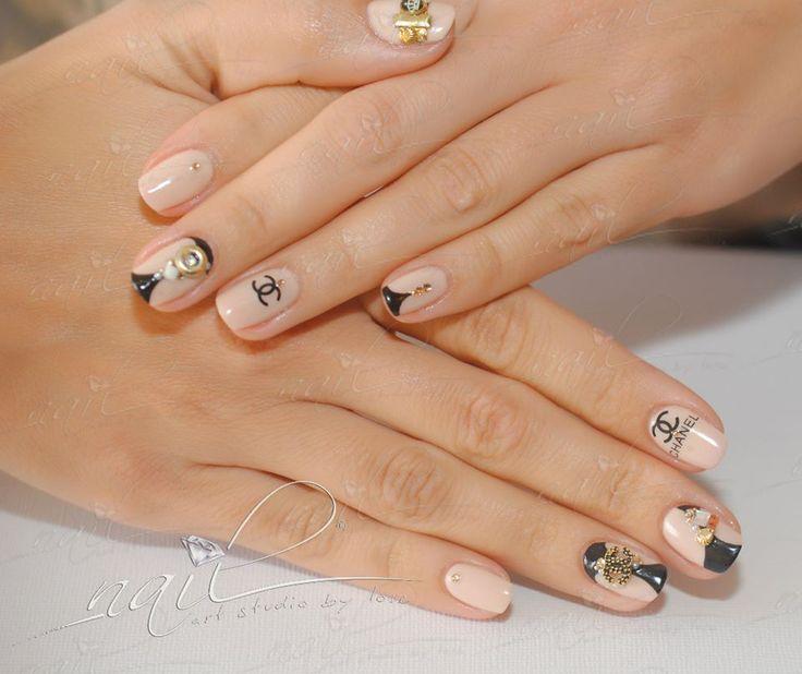 nails manicure  nude channel coco deisgn trend fashion