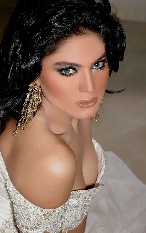 Veena-Malik-FHM-Magazine-Photo-Shoot---Hot-Photos-122.jpg (502×800)