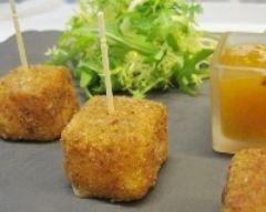 Cromesquis de camembert et confiture d'abricot, cumin et zestes d'orange : http://www.cuisineaz.com/recettes/cromesquis-de-camembert-et-confiture-d-abricot-cumin-et-zestes-d-orange-61920.aspx