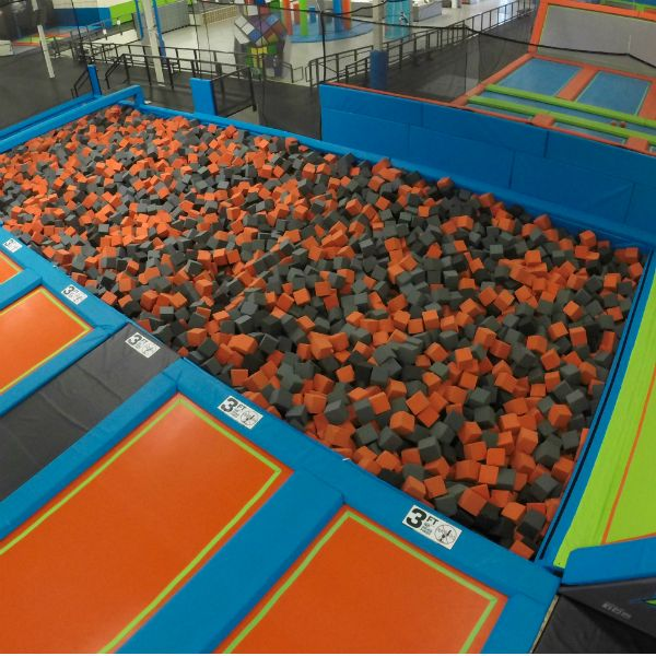 Trampoline Party Glasgow: 17 Best Ideas About Trampoline Room On Pinterest