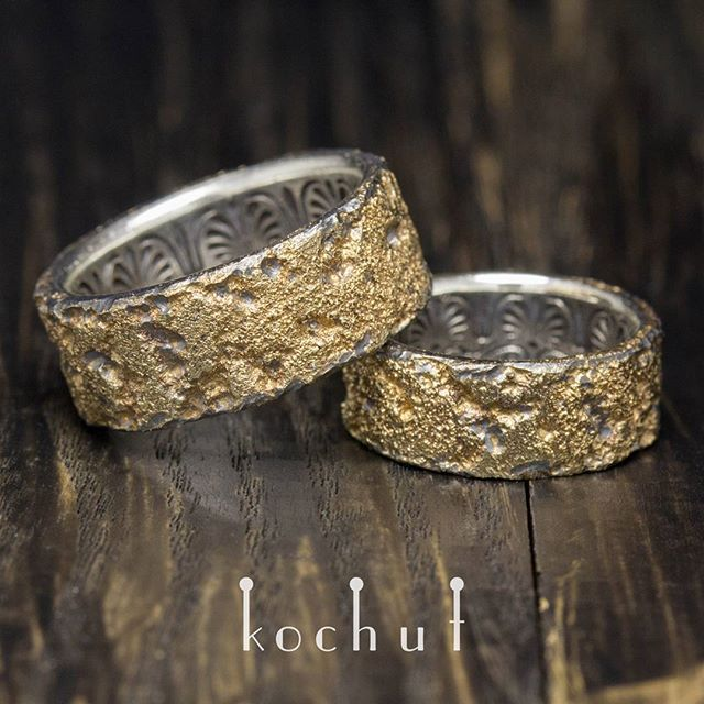 Каким бы не было прекрасным тело, всегда ищите душу. #kochut #jewelry #gold #silver #wedding_rings #rings #engraving #handmade #украшения #драгоценности #обручальные_кольца #золото #серебро #гравировка #кольца #ручная_работа #прикраси #обручки #срібло #ручна_робота