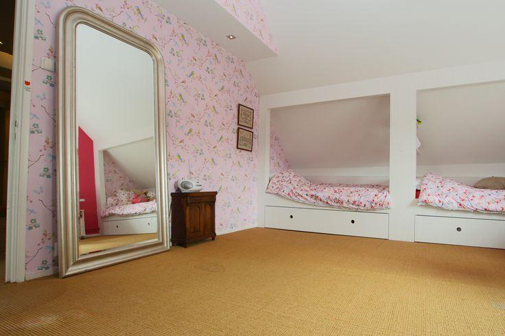 Meisjes kamer met pip behang en pip dekbedden met dubbele bestede.