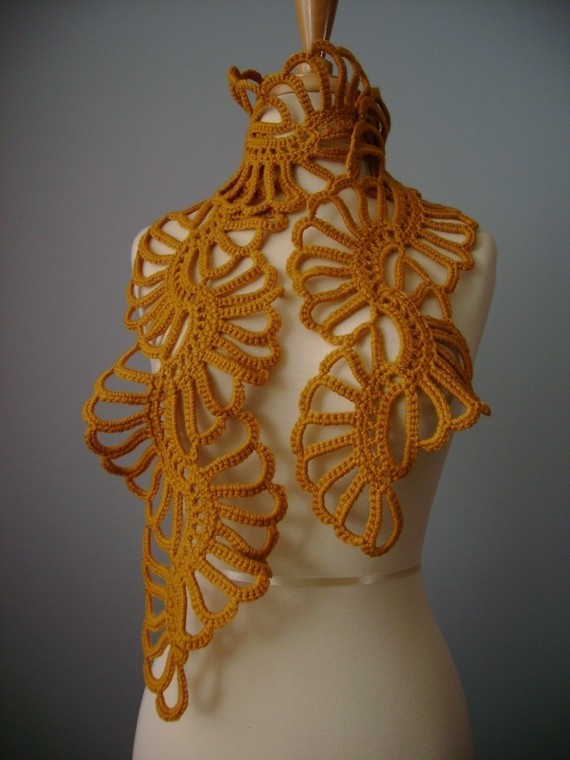 Crochet scarf - beautiful, but don't think I could ever learn to do this pattern!!