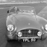 RC 548 - Stirling Moss tests the AC Ace - February 1957