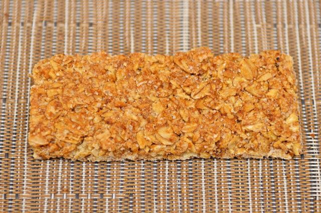 Crunchy Avoine & Miel Nature Valley - Barres de céréales - Crunchy Oat & Honey - General Mills - Cereal bars - Breakfast - snack - dessert - food  - Biscuits - Miel - Avoine - Oat - Honey