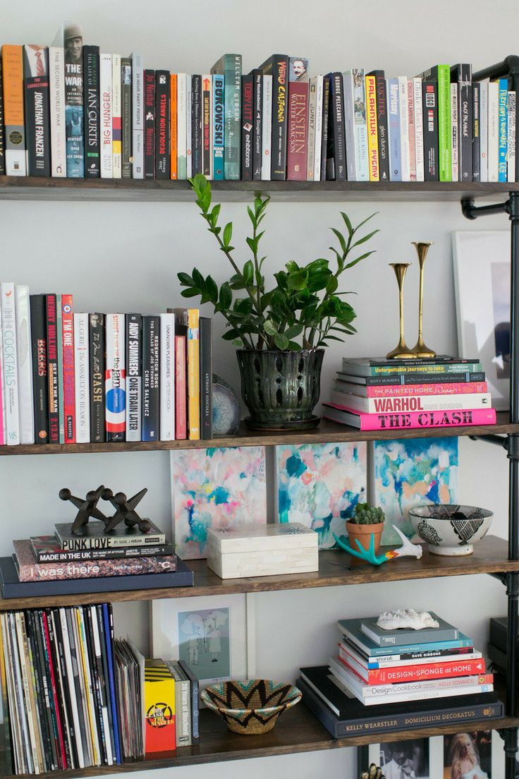 Co colour coordinated bookshelf - Bookshelf Styling