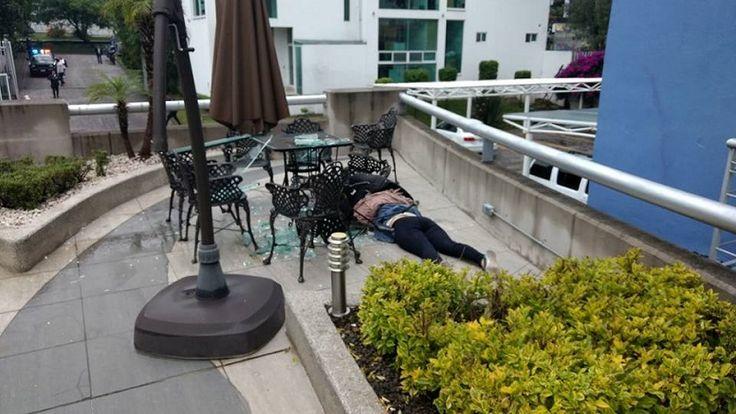 Los hechos se registraron poco antes de las 9:00 horas en el complejo residencial Vista Camelinas; se especula que pudo haber sido arrojada, pues según testigos presenciales tiene una bolsa ...
