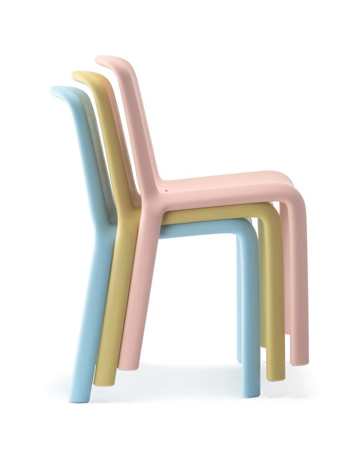 The Innovative And Organic Design, That Has Made Snow A Successful Chair  Since 2008,