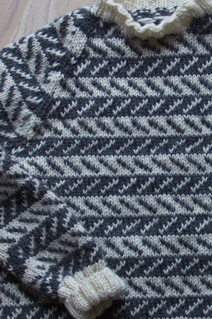 Sweater in an old danish pattern