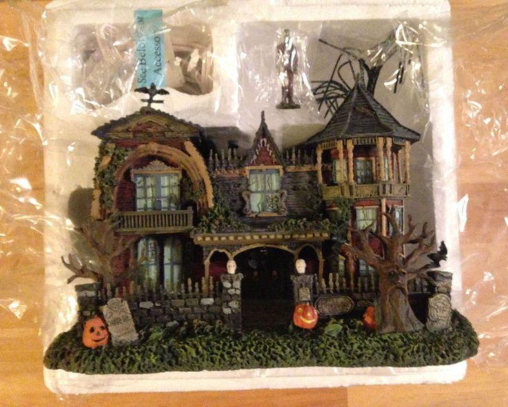 "Hawthorne Village - ""1313 Mockingbird Lane"" - The Munsters Halloween Village Col"