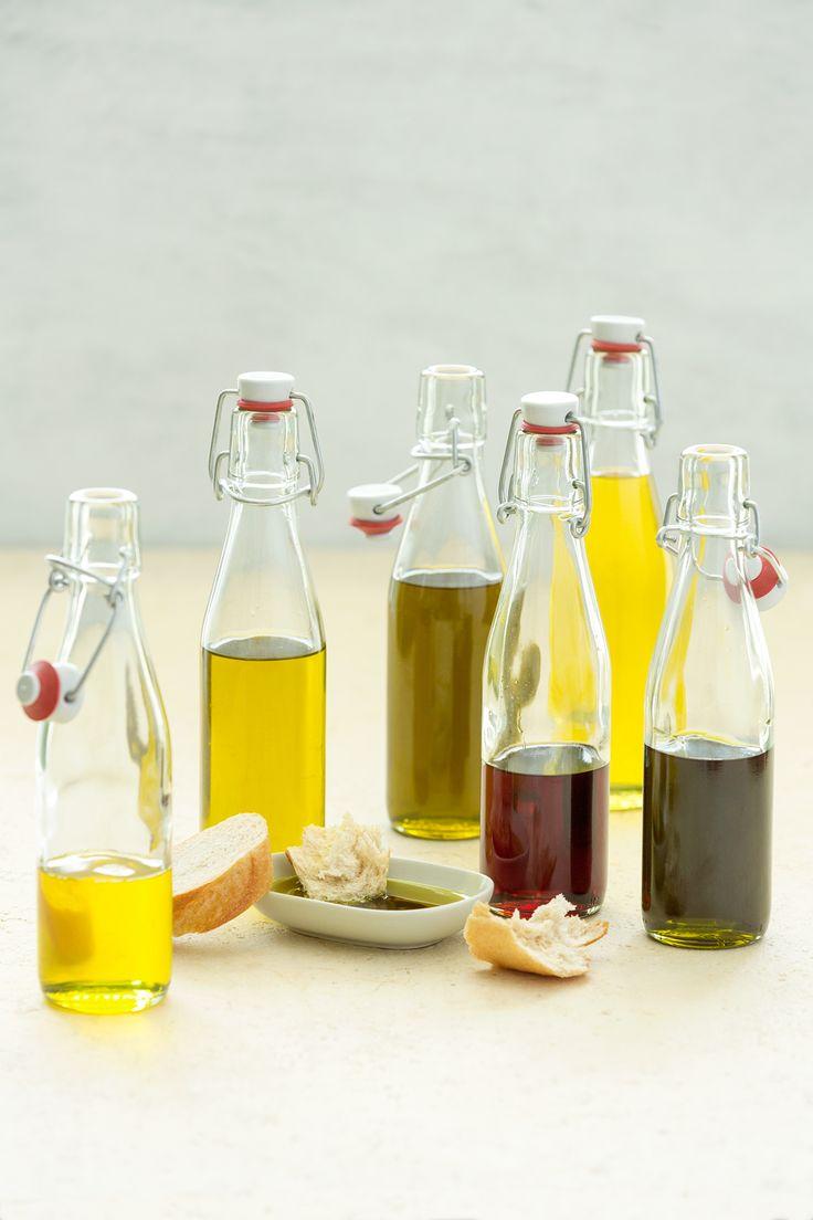 Oleje v biokvalitě se od běžných olejů zásadně liší – jsou získány šetrnými metodami (nejčastěji lisováním za studena) a zachovávají si tak výživové vlastnosti použitých surovin. U nás najdete jak oleje do salátů, tak oleje vhodné pro tepelnou úpravu.