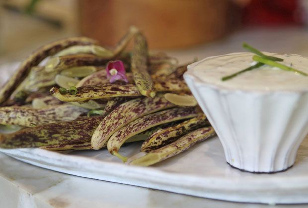Eat-Drink-Garden: Farmers Market Find: Dragon Tongue Beans