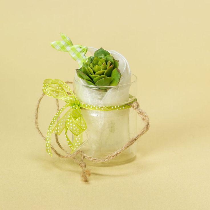 ALICE NEL PAESE DELLE MERAVIGLIE Per matrimonio e per tutti gli eventi. Vasetto in vetro portacandela, confetti, nastro verde, fiore artificiale e coniglietto.   www.geneticamentediverso.it