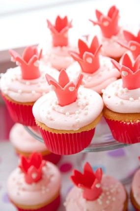 Inspired Princess Crown Cupcake Toppers, Valentine's Day Dessert for Kids #kids #food #ideas www.foodideasrecipes.com